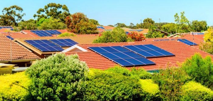 """""""Evlerin çatı ve cephelerinde güneş enerjisinden üretilerek satılacak ihtiyaç fazlası elektriğe 10 yıl boyunca destek"""""""