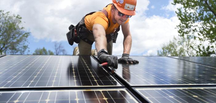 """Damdaki Küçük Esnaf: """"Konut çatısında elektrik üretip satmak, şirket olarak üretip satmaktan avantajlı oldu"""""""